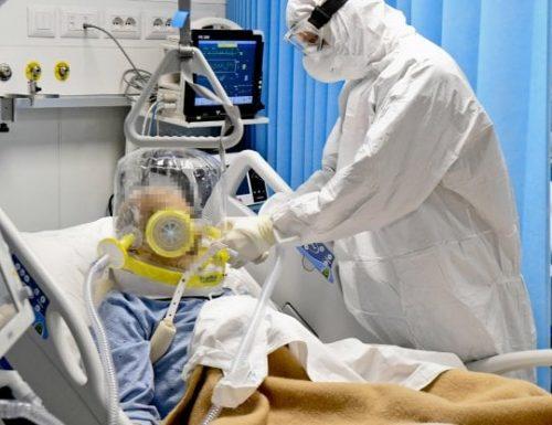 Covid senza freni, 21.261 contagi e 376 morti nelle ultime 24 ore. Caos a Rebibbia:  contagiate 56 detenute e 6 agenti