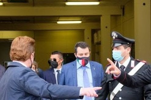 Salvini a processo fa tremare la sinistra: ha paura delle inchieste in corso e di una voragine interna