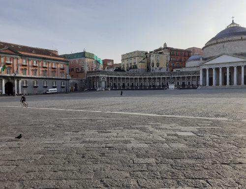 """Pasquetta all'insegna dei controlli contro le """"gite fuori porta"""". Da Napoli a Milano, le città sono vuote"""