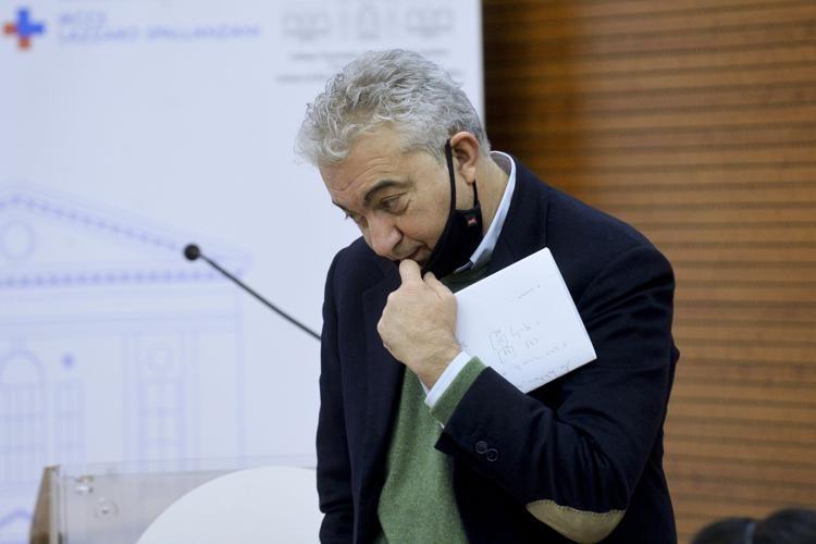 "Tsunami Arcuri: indagine sulle siringhe ""sbagliate"", pagate 10 milioni di euro"