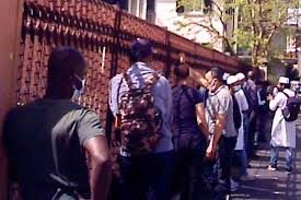 Per gli islamici il Covid non esiste: moschee abusive stracolme, alla faccia del lockdown