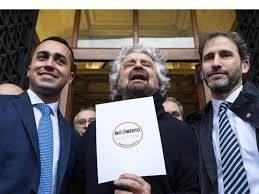 """M5S ai ferri corti, Rousseau invia una mail e chiede il conto ai morosi. E arriva il vaffa: """"Non paghiamo"""""""