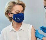 La Von der Leyen sceglie il vaccino Pfizer, e scoppia la polemica