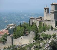 Covid, la lezione di San Marino: ecco come si fa, effetto Sputnik V: riapre tutto. Al via le vaccinazioni anche dei diciottenni