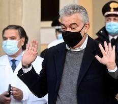 """Arcuri con le mani nella marmellata per le mascherine cinesi. La Verità lo inchioda: """"L'ex commissario è sotto inchiesta per peculato"""""""
