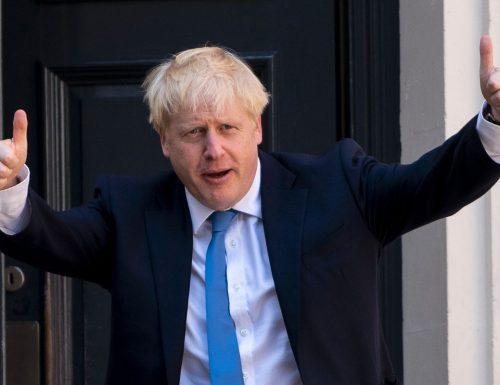 Covid, la sberla  di Johnson a UE e Italia: Londra fuori dal tunnel. Ora test gratis 2 volte a settimana