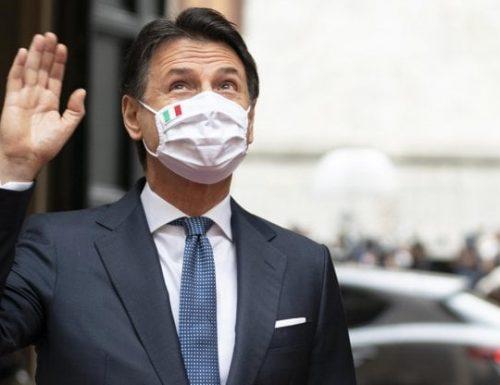 """M5S, siamo alle comiche, Conte fa il duro con Casaleggio: """"Devi darci i dati degli iscritti"""". E Casaleggio gliele canta quattro…."""