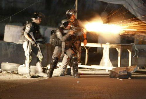 """Guerra, Hamas lancia 250 razzi da Gaza, e Israele non le manda a dire: """"La riposta sarà feroce"""". Pronti i raid aerei"""
