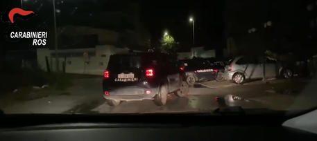 Blitz dei Ros a Napoli, vendevano documenti falsi ai clandestini.  Quattordici arresti