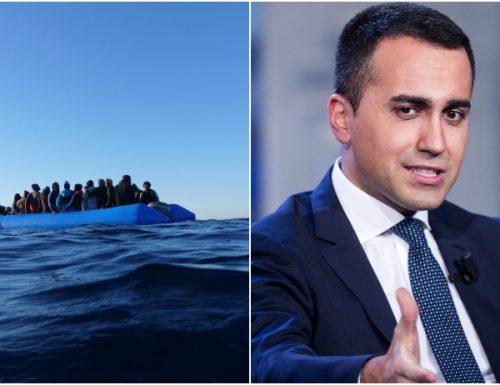 """Lampedusa sotto assedio, l""""hotspot scoppia. Di Maio in Libia con il traduttore sotto al braccio per implorare uno stop"""