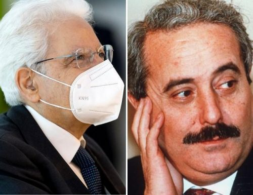 """Il presidente Mattarella non usa mezzi termini: """"Nessuna zona grigia, o si sta contro la mafia o si è complici dei mafiosi"""""""