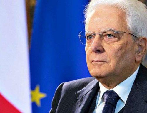 Offese al presidente  Mattarella: diversi indagati, anche Gervasoni e la scrittrice sovranista Francesca Totolo