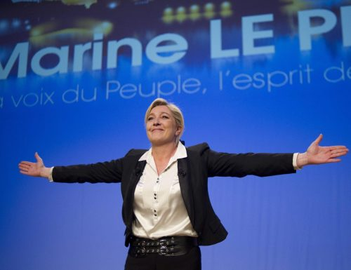 [Boom] La Le Pen fa il botto e vola nei consensi, i sondaggi parlano chiaro:  guadagna l'8% in meno di 30 giorni