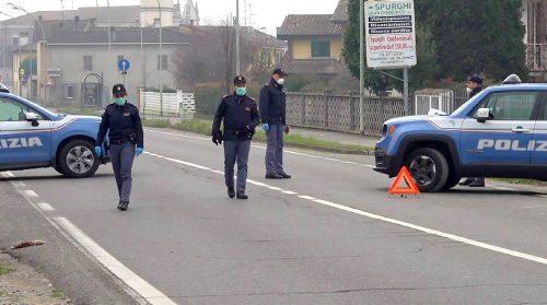 """Covid, i poliziotti sono al limite: """"Non siamo sceriffi"""". 5.080 i nuovi contagi, 198 i decessi"""