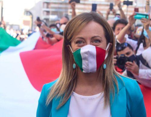 Il Sondaggio che incorona Fratelli d'Italia e Giorgia Meloni: vola al 18,7% ed è a un passo dal superare il Pd