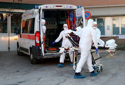 Covid, Villorba sotto choc: una donna si vaccina con Pfizer e muore un'ora dopo nel parcheggio