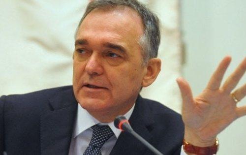 Bomba sul Pd: spese elettorali, rinviato a giudizio l'ex governatore della Toscana Enrico Rossi