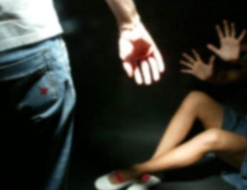Orrore a Siena, violenza sessuale a una ragazza 20enne: tre arresti, anche un calciatore