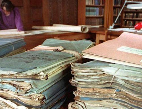 […] La Stasi va in pensione, atti sulle vite delle persone e file  segreti della Ddr passano all'autorità Federale
