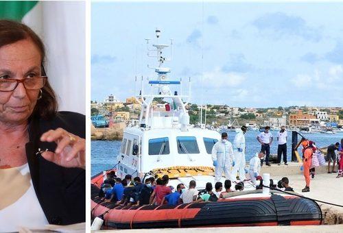 """A Lampedusa sbarchi h24, ma per la Lamorgese va tutto bene. Giorgia Meloni: """"C'è chi non vuole vederla"""""""