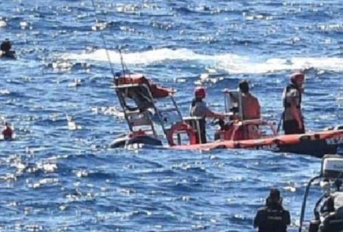 Immigrazione clandestina, naufragio inevitabile a Lampedusa: 7 donne perdono la vita. Sindaci sul piede di guerra: ma Draghi gira la faccia dall'altra parte
