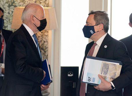 G7, Biden chiede il pugno di ferro contro la Cina ma l'Italia fa orecchie da mercante per colpa del M5s