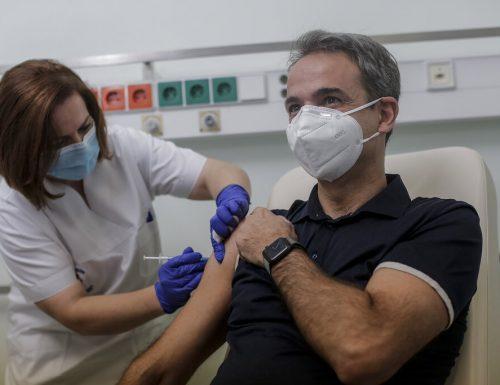 L'iniziativa lodevole della  Grecia: 150 euro ai giovani che si vaccinano, sotto forma di viaggi o concerti