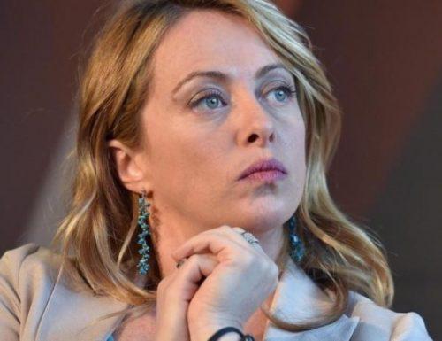 """[Diritti e Doveri, solo chiacchiere] Giorgia Meloni bacchetta l'Ue: """"Parla di diritti, ma non alza un dito su regimi e narco-comunismo in America Latina"""""""