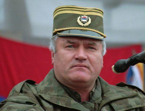 """Ergastolo per Ratko Mladic """"il pazzo"""", il boia di Sebrenica, Bosnia orientale"""