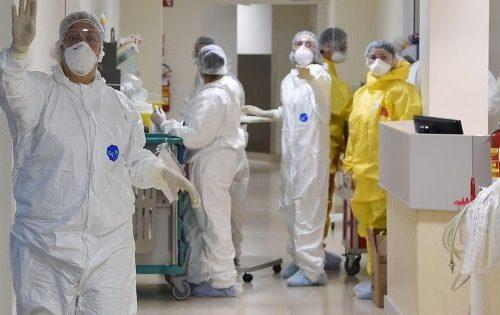"""Coronavirus, aumentano i contagi. Ira  Bassetti: """"Basta con il bollettino giornaliero"""""""