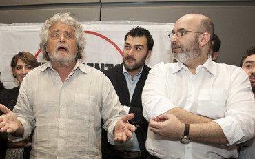 Caos 5Stelle, il reggente Vito Crimi affronta  Grillo a viso aperto e indica la votazione sulla nuova piattaforma