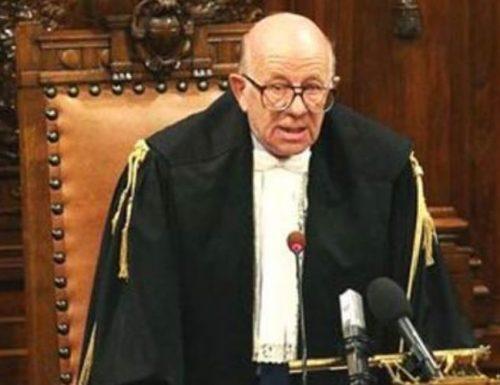 """[È una chiavica]  Il verdetto sul Giudice """"di parte"""" Esposito e gli insulti a Berlusconi. I camerieri vincono…. (Tutto archiviato)"""