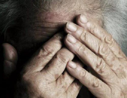 Il parroco furbetto e pure delinquente: 6.000 euro al mese per l'ospizio abusivo, e gli anziani a dormire sui sacchi della spazzatura