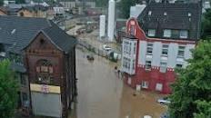"""Tragedia per l'alluvione in  Germania: il bilancio triste, 33 morti. Decine i dispersi. Merkel sconvolta: """"una catastrofe"""". (Video)"""