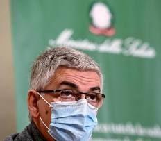 """Covid, contagi ancora in aumento: 2.898 e 11 morti. Brusaferro: """"L'età dei contagi è 28 anni, dei ricoveri 50 anni"""""""