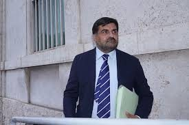 """Caso Procure, il Pg di Cassazione: """"Il Csm sospenda i 5 togati """"longa manus"""" di Palamara"""". È caos"""