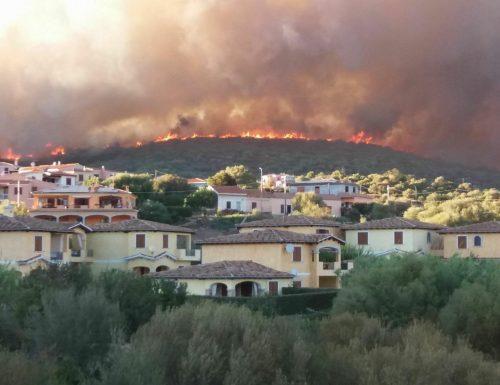 """Fuoco e fiamme in Sardegna: intervenga l'Ue. Giorgia Meloni: """"Siamo vicini al popolo sardo"""" (Video)"""