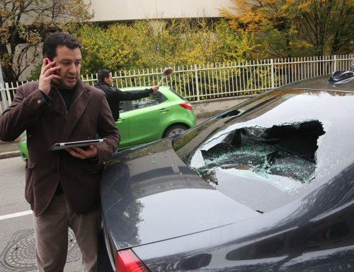 L'agguato a l'auto di Salvini e a un giornalista: condannati 11 aggressori rossi