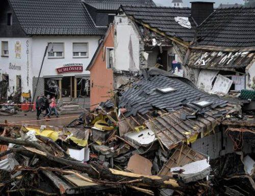 Germania, il numero dei morti sale ancora e le immagini che emergono sono da brividi. E intanto le previsioni meteo preoccupano  anche l'Italia