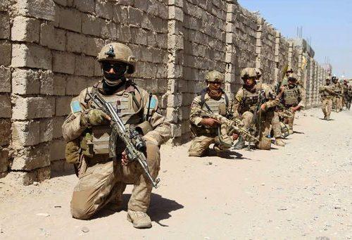 Afghanistan sotto i colpi dei  talebani: si tenta il tutto e per tutto per salvare gli interpreti italiani. I soldati addestrati dalla Nato non reggono la forza d'urto talebana