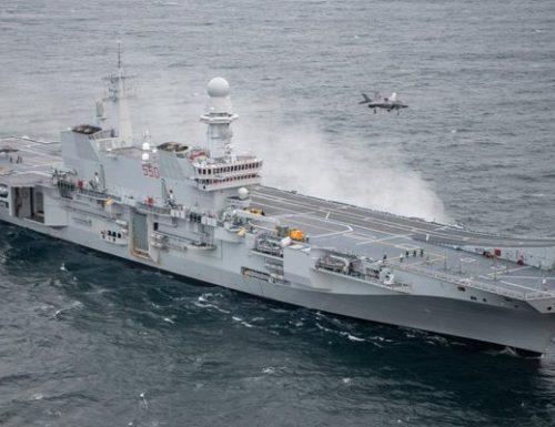 Marina Militare: la Portaerei Cavour ospita a bordo il primo F-35B