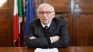 """Scuola, passa il pugno di ferro  del ministro Bianchi: """"Green pass per i docenti o restano a casa e saranno sospesi"""""""