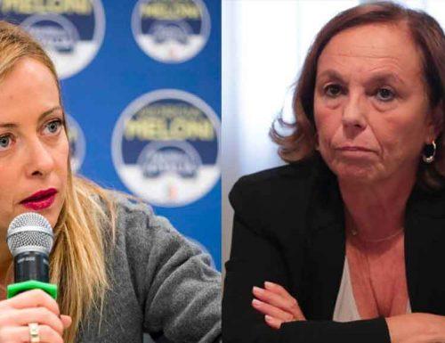 """Chi l'ha vista… """"AAA, ministro dell'Interno cercasi"""": Giorgia Meloni a valanga contro Lamorgese"""