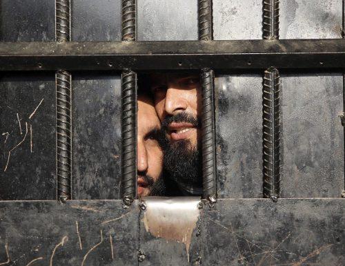 Afghanistan, i Talebani democratici liberano dal carcere anche l'attentatore suicida dell'aeroporto