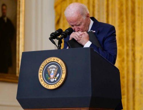 La guardia del Panshir ironizza il dramma con il presidente Usa, Biden: grazie di aver regalato l'Afghanistan ai Talebani..