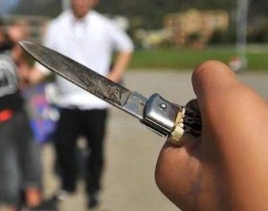 Rimini sotto choc, somalo fuori di testa accoltella 5 persone tra cui un bimbo di 5 anni. L'ira della leader di Fratelli d'Italia . Giorgia  Meloni: la deve pagare cara