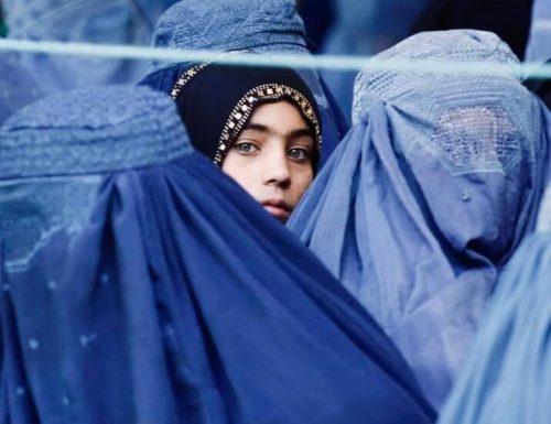 """Afghanistan, il modello Talebano inizia a dare i frutti marci: """"Le donne devono fare figli. Non le ministre"""""""