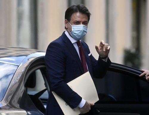 """Il leader 5 Stelle Giuseppe Conte getta i remi in mare: """"Fare politica è una faticaccia enorme, non reggerò a lungo"""""""