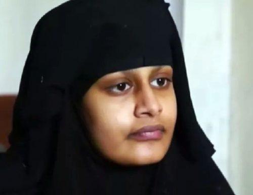 Shamima Begum, sposa dell'Isis, da di matto: fatemi tornare, posso aiutarvi