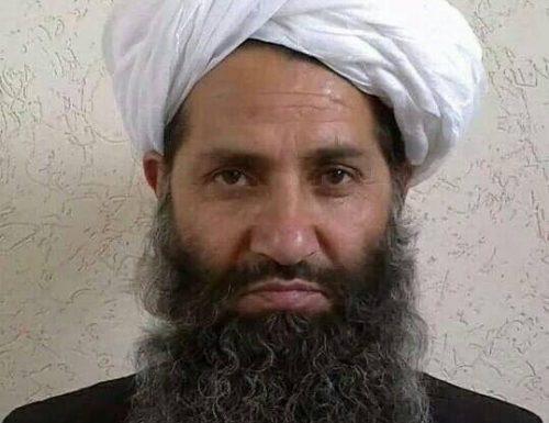"""Afghanistan, Hibatullah Akhundzada nominato leader supremo. A breve il nuovo governo a guida """"Talebani"""""""